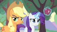 Applejack suspects someone else S4E07