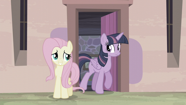 File:Twilight steps out of the house S5E2.png