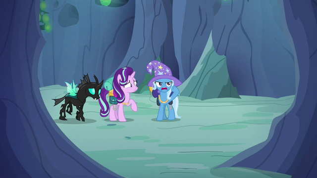 File:Trixie calling out to Discord Changeling S6E26.png