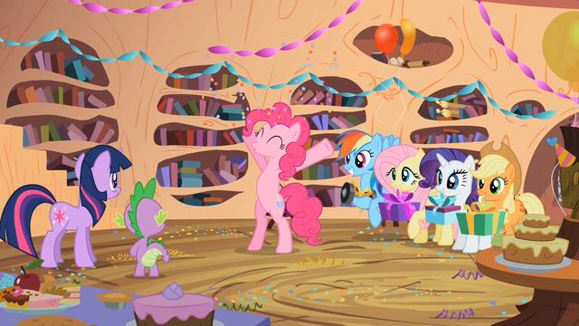 "File:Pinkie Pie ""Happy Birthday!"" S02E10.png"