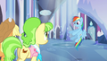 """Rainbow Dash """"and we're walking..."""" S03E12.png"""