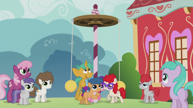 File:Foals put up a new tetherball pole S5E18.png