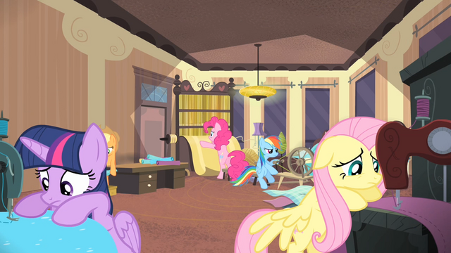 File:Rarity's friends making a new line S4E08.png