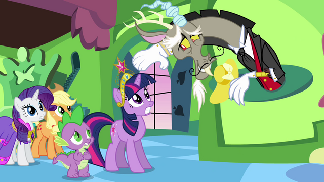 "File:Discord ""may I take your hats?"" S03E10.png"