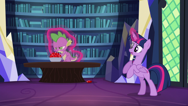File:Twilight about to levitate Spike S5E22.png