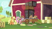 Wrangler showing cages to Fluttershy S7E5
