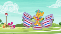 Applejack and Pinkie watch Snails meditate S6E18