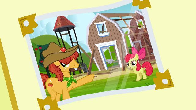 File:Photo album 8 (Half Baked Apple and Apple Bloom) S3E8.png