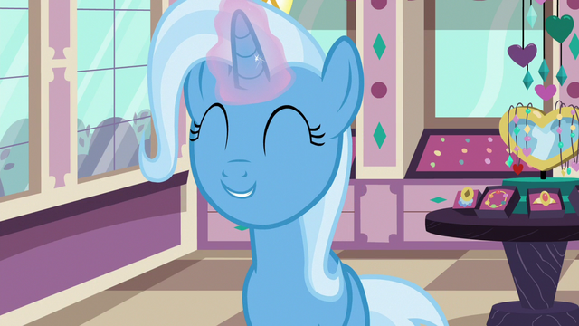 File:Trixie still wants a new brooch S7E2.png