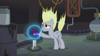 Derpy touching a plasma ball in Dr. Hooves' lab S5E9