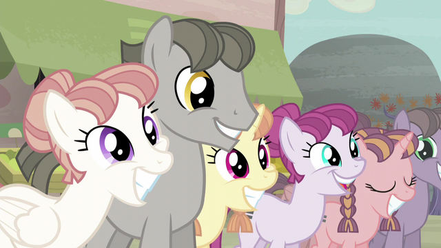 "File:Mare ""We love new friends!"" S5E02.png"