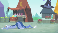 Discord moving on the ground S4E11
