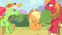 Applejack gives instructions S3E08