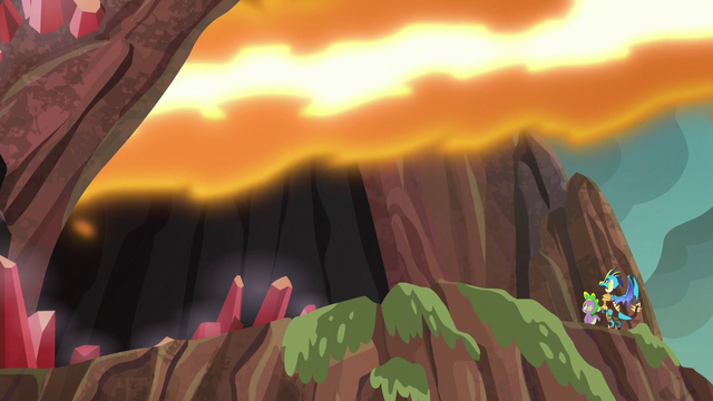 File:Flame-cano releases spout of fire S6E5.png