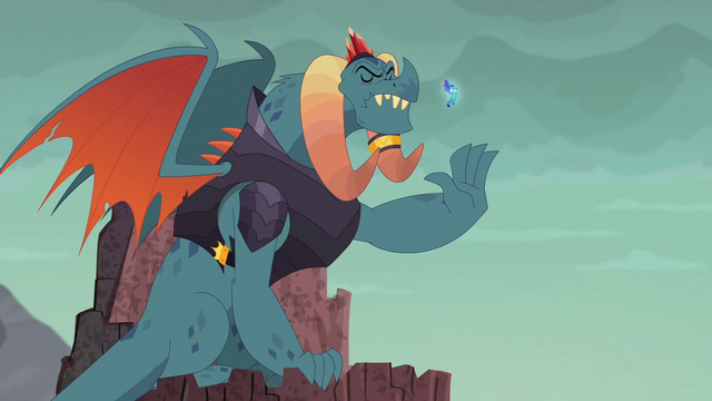 File:Torch commands the dragons to stop through gesture S6E5.png