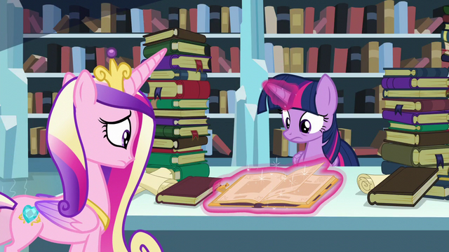 File:Twilight reads through the tome S6E2.png
