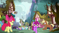Apple Bloom watches the chaos in Ponyville S5E4