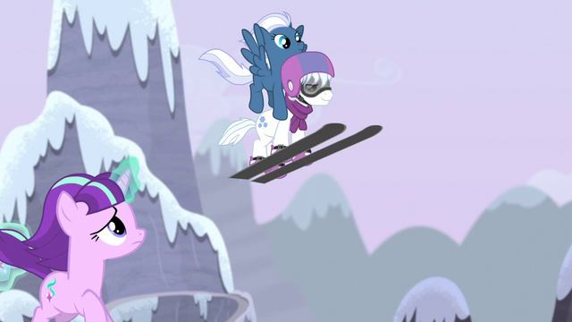 File:Night Glider and Double Diamond swoop over Starlight S5E2.png