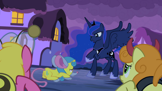 File:Luna 'not screams of' S2E04.png