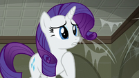 Rarity touched by her friends' offer S6E9