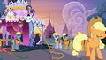 Construction ponies amazed by Applejack's strength S7E9.png
