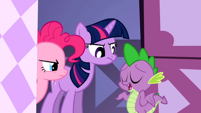 File:Spike wants to stay with Rarity S1E20.png