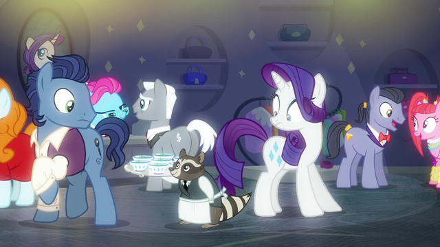 File:Rarity shocked to see a waiter raccoon S6E9.png