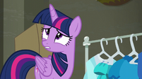 Twilight wonders what Rarity would want S6E9