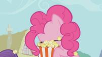 Pinkie Pie om nom nom S01E04