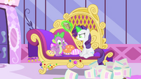 Rarity and the beauty-fied sofa, S4E23