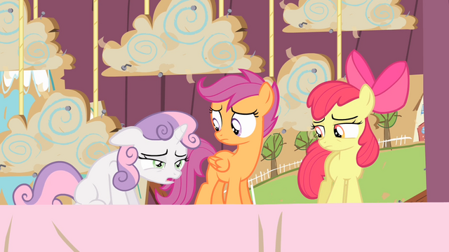 File:Sweetie Belle feeling tired S4E05.png