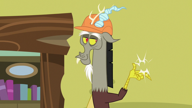 File:Discord snaps his claws at the wall S7E12.png