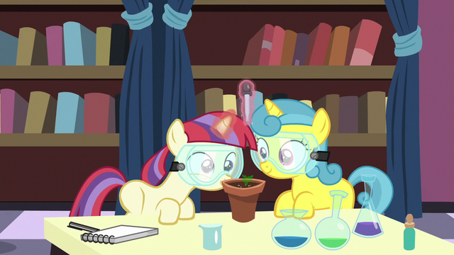 File:Filly Moon Dancer and Lemon Hearts in chemistry class S7E1.png