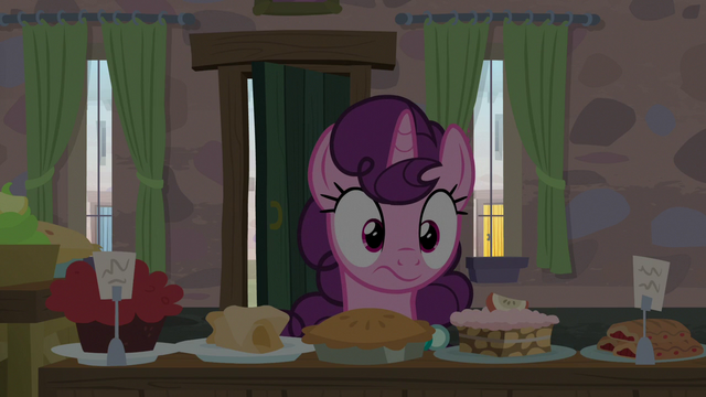 File:Sugar Belle notices the lights in her house turn off S7E8.png