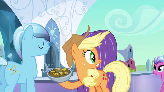 File:Applejack fearfully looking to the right S3E2.png
