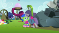 Maud Pie hugging Pinkie S4E18.png