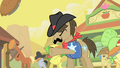 Sheriff Silverstar and ponies throwing pies S1E21.png