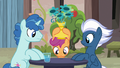 Scootaloo looking for Big Mac under a vase S7E8.png