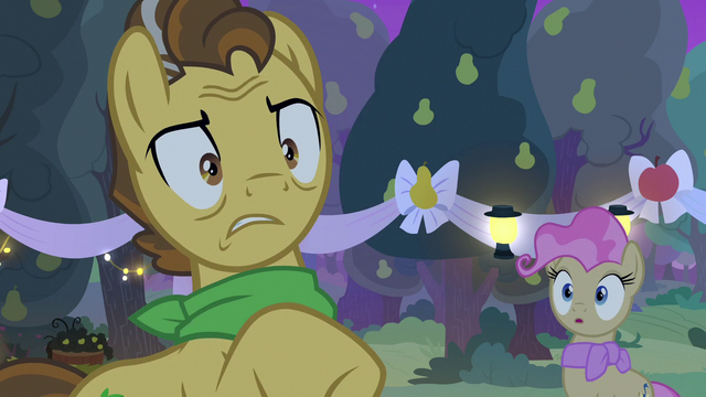 File:Grand Pear faced with a difficult decision S7E13.png