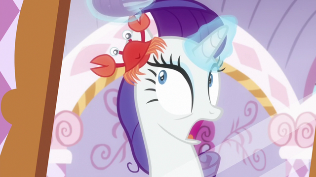 File:Rarity discovers a crab in her mane S6E22.png