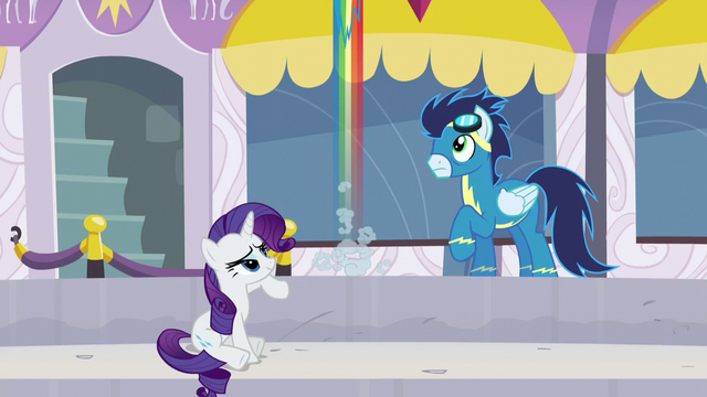 File:Rainbow flies up excited S5E15.png