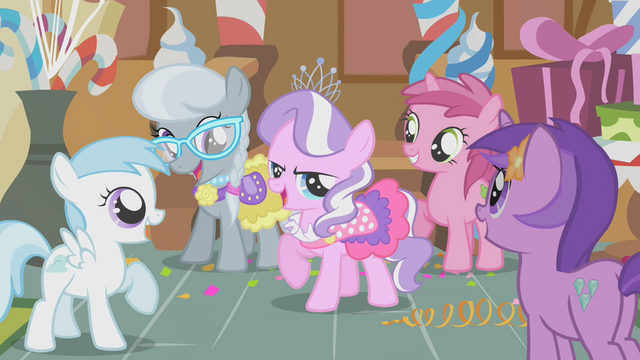 File:Tiara Getting Attention S1E12.png