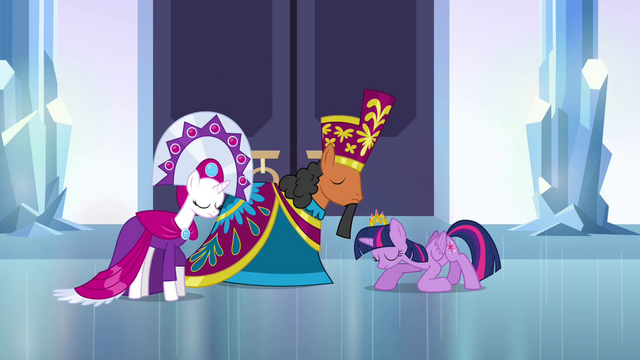 File:Twilight bows to the duke and duchess S4E25.png