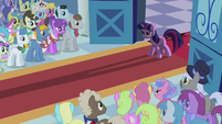 Twilight stops the vows S02E26