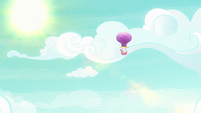 Twinkling Balloon floating toward Yakyakistan S7E11