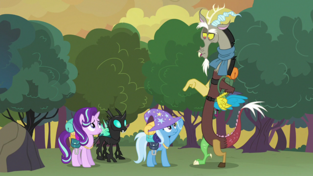 File:Discord pointing to Trixie S6E26.png