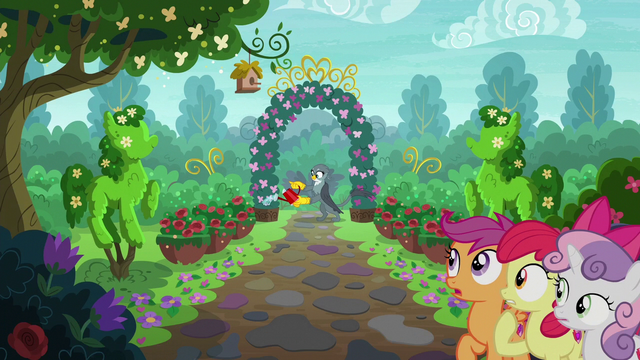 File:Gabby tending to a large garden S6E19.png