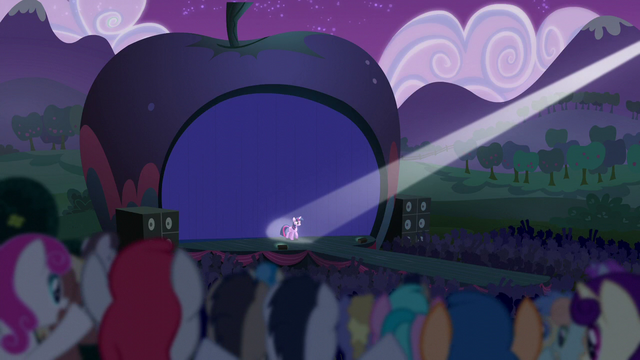 File:Princess Twilight walks onto the stage S5E24.png