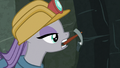 Maud mining rocks in the Ghastly Gorge S7E4.png