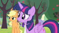 Twilight asking Fluttershy S4E07
